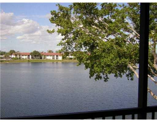 206 Lake Pointe Dr Apt 206, Oakland Park, FL 33309