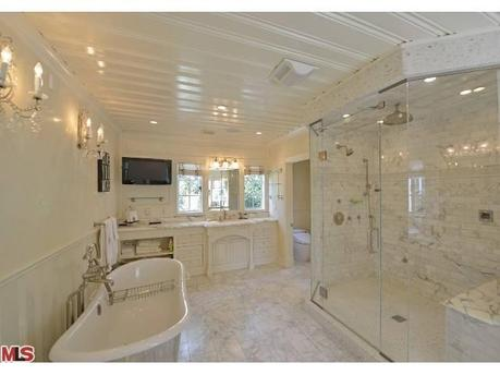 Is that a TV in the bathroom Hahaha Rich people  Most Expensive Homes in  Your. Rich People Bathrooms
