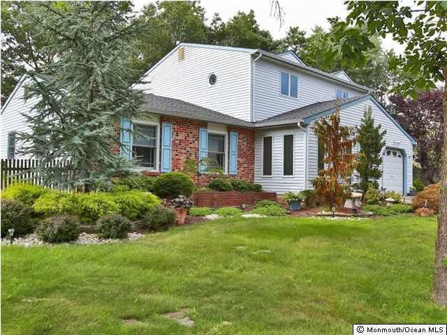 47 Conifer St Howell, NJ 07731