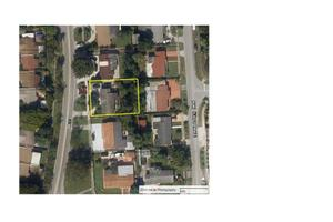 19621 NW 52nd Ave, Miami, FL 33055