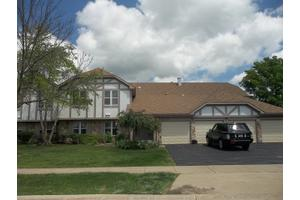1261 Streamwood Ln, Vernon Hills, IL 60061