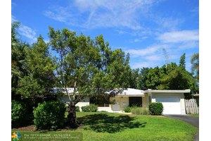 2161 NE 35th St, Lighthouse Point, FL 33064