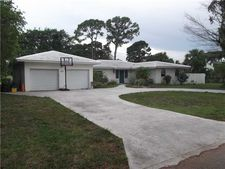 3016 Sherwood Blvd, Delray Beach, FL 33445