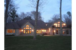 1923 Scenic Dr, North Muskegon, MI 49445
