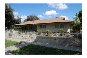 5780 N 7th St, Fresno, CA 93710
