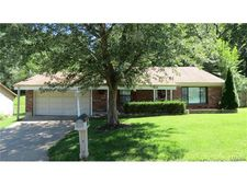 5022 Country Valley Dr, Imperial, MO 63052