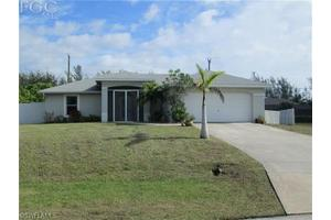 2913 SW 11th Ct, Cape Coral, FL 33914