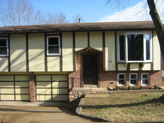 4628 Candlelight Dr, Arnold, MO 63010