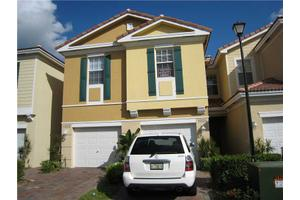 1004 Pipers Cay Dr, West Palm Beach, FL 33415