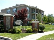 895 Forest Ave Apt 102, Valley Park, MO 63088