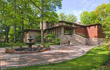 3121 Heritage Oaks Ln, Oak Brook, IL 60523