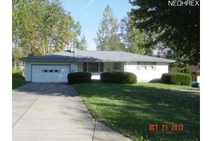 3894 Cumberland Dr, Austintown, OH 44515
