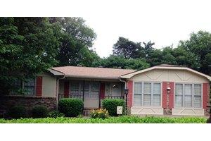 808 Springmont Dr, HOPKINSVILLE, KY 42240