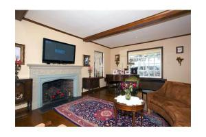 410 Adams St, Quincy, MA 02169