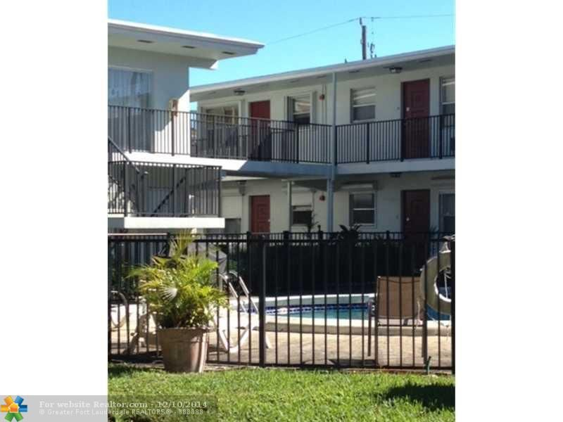 3510 Harrison St Apt 14 Hollywood, FL 33021