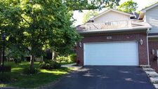 100 Willow Creek Ln, Willow Springs, IL 60480