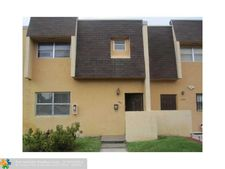 5847 Blueberry Ct # 85, Lauderhill, FL 33313