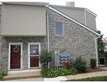 55 Farnham Sq, Sayreville, NJ 08859