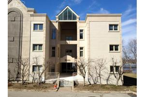 3260 Island Cove Dr # 350dr, Waterford, MI 48328