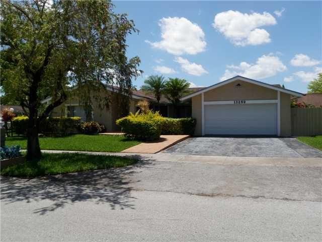 13250 Sw 99th St, Miami, FL 33186