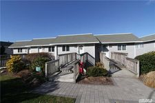 1702 Bluffs Dr S, Baiting Hollow, NY 11933