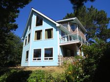 25 Nw Spindrift St, Yachats, OR 97498