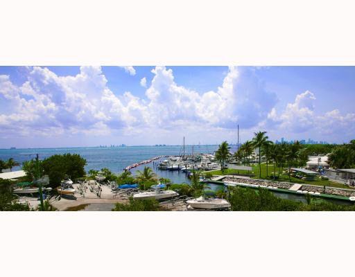 215 Harbor Dr, Key Biscayne, FL 33149