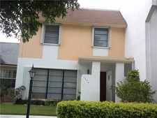 1374 Seaview Dr, North Lauderdale, FL 33068