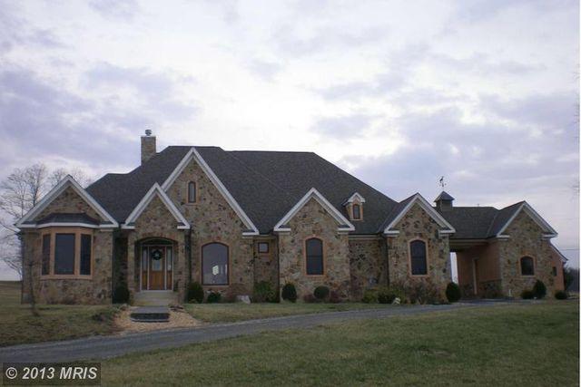 156 Hampton Ln, Berryville, VA