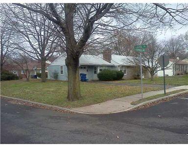 27 Cypress Ave, North Brunswick, NJ