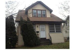 26 Elizabeth St, South Bound Brook, NJ 08880