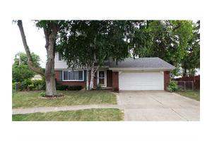 508 Garden Ct, Maumee, OH 43537