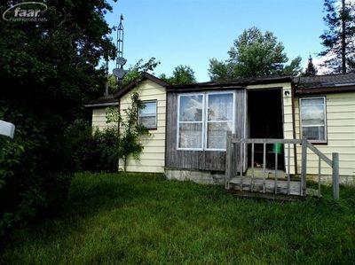 1003 S Oak Rd, Davison, MI