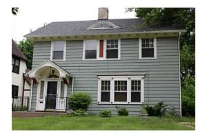 1727 Potomac Dr, Toledo, OH 43607