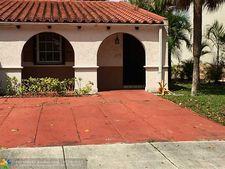 6935 Holly Rd, Miami Lakes, FL 33014