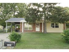 2405 Zumbehl Rd, St Charles, MO 63301