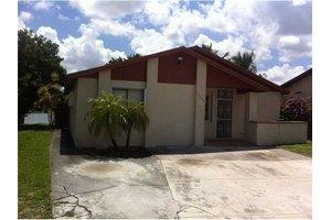19553 NW 50th Ct, Miami, FL 33055