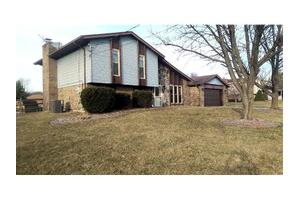 3824 Hassfurt Dr, Fairfield, OH 45011