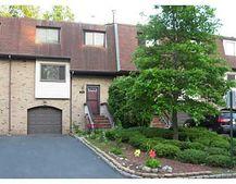 2204 Oaks Blvd N Unit 4, North Brunswick, NJ 08902