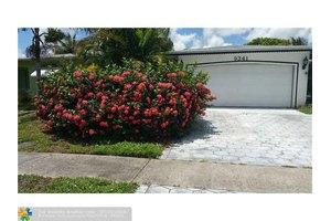 9341 NW 20th St, Pembroke Pines, FL 33024