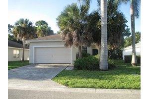 5422 Club Cir, West Palm Beach, FL 33415