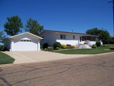 1004 4th Ave E, New England, ND 58647