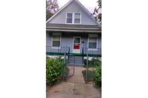 2124 Edmund Ave, St Louis, MO 63121