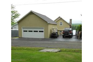 134 Bates Patch Rd, Greenfield Twp, PA 18407