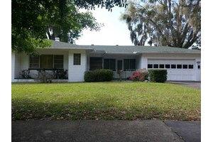 2800 Southland Rd, Mount Dora, FL 32757