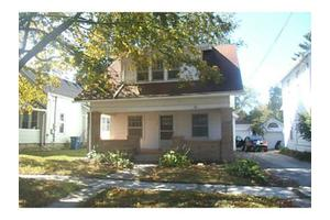 218 Buttonwood Ave, Bowling Green, OH 43402