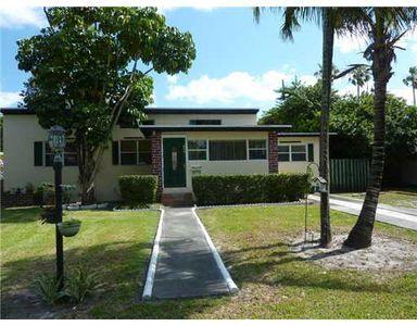 640 Nightingale Ave, Miami Springs, FL