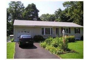 1795 Olive St, Piscataway, NJ 08854
