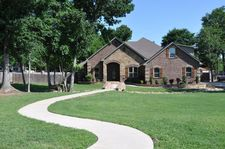 100 Woodbine Pl, White Oak, TX 75693