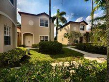 16307 Emerald Cove Rd, Weston, FL 33331